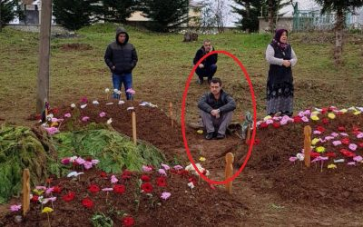 Hours after being released, man pictured sitting near graves of family members who died in traffic accident after visiting him in prison