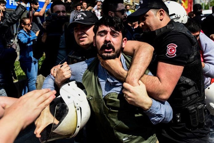 Istanbul police detain 66 people during Tuesday's May Day marches