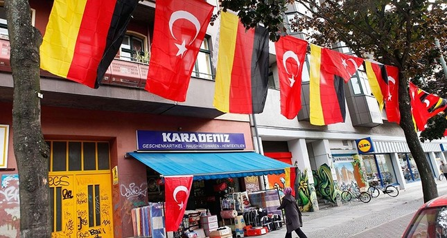 4,329 Turks claimed asylum in Germany in first half of 2018
