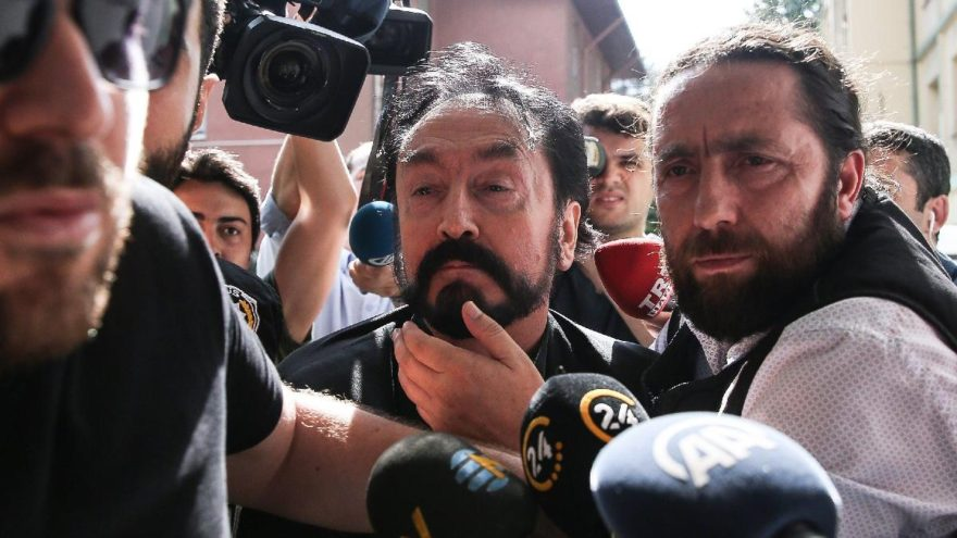 İstanbul police detain Turkish televangelist Adnan Oktar, 234 followers