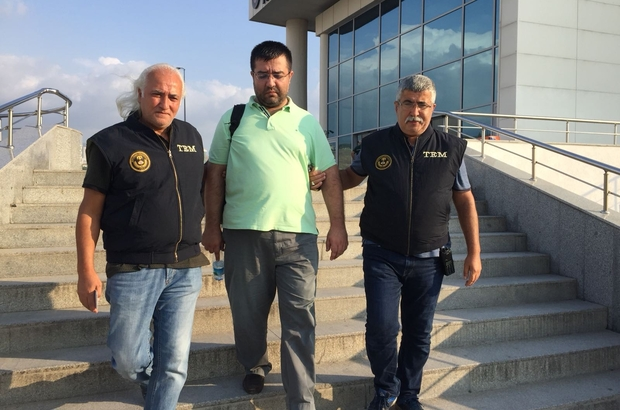 Man, wanted over Gulen links, detained at notary public
