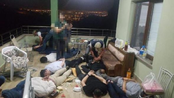 [VIDEO] 5 teachers, 7 others detained over Gulen links in Turkey's Kayseri