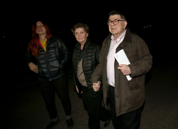 Wife of purge-victim columnist Şahin Alpay dies of cerebral hemorrhage