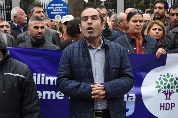 Turkey detains 20 pro-Kurdish party members