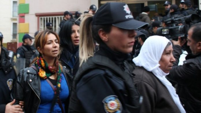 [VIDEO] 22 women detained over hunger strike in support of imprisoned Kurdish politicians
