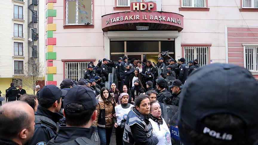 Turkey's pro-Kurdish party says at least 2,000 members detained in 2018