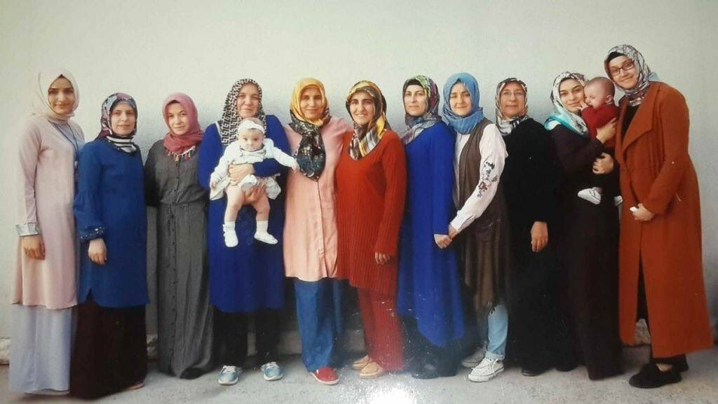 Leaked photo shows 11 hijabi women, 2 babies in Bursa prison on terror, coup charges