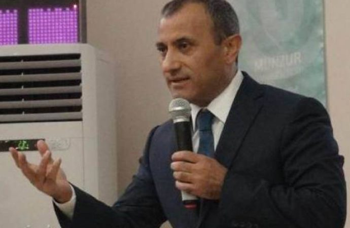 2 Tunceli men detained after refusing to shake hands with gov't-appointed mayor