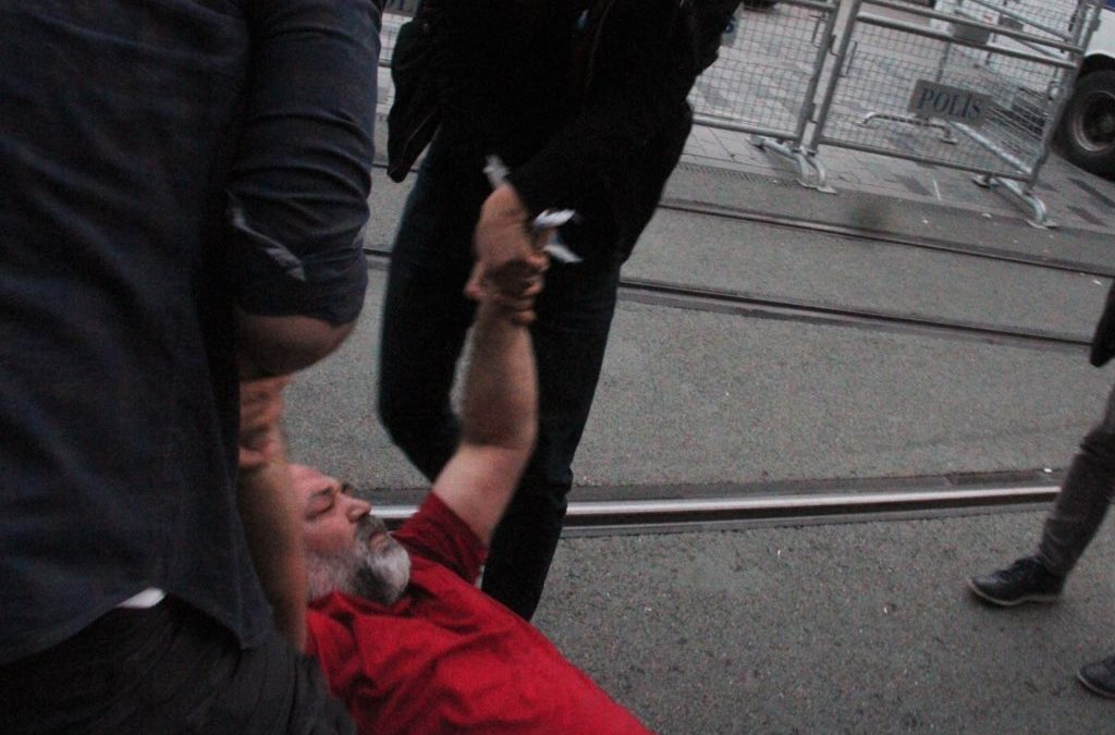 İstanbul police stifle iftar meal organised by dissident Anticapitalist Muslims