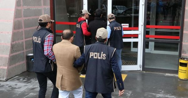 46 former policemen detained in Ankara-based post-coup investigation