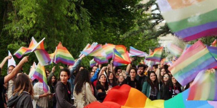[VIDEO] Academic, 25 students detained during Pride march at Ankara university
