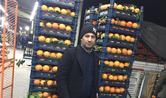 Purge-victim Turkish judge sells oranges to make a living