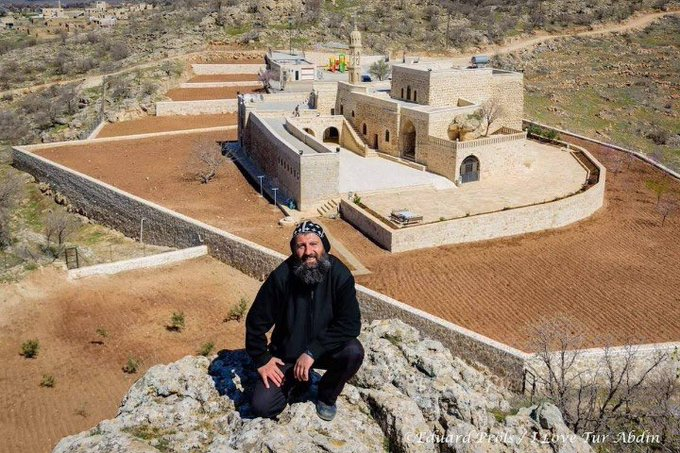 Turkish gendarmerie with duty military-type weaponry raid Assyrian church, detain priest, 2 others
