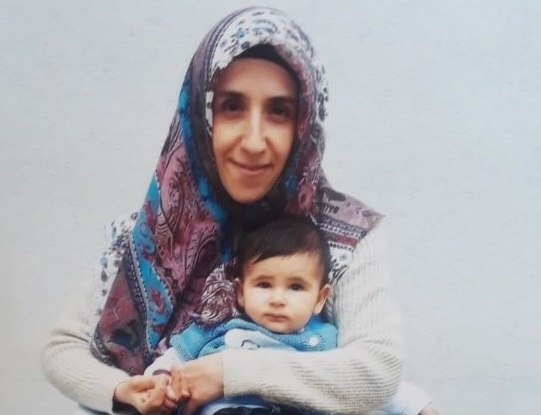 Mother, father, 2-year-old in prison over Gülen links: deputy